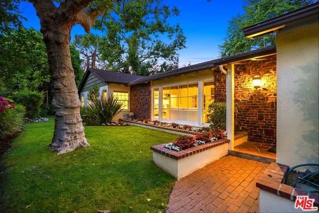 4758 Saint Clair Avenue, Valley Village, CA 91607 (#21747392) :: Powerhouse Real Estate