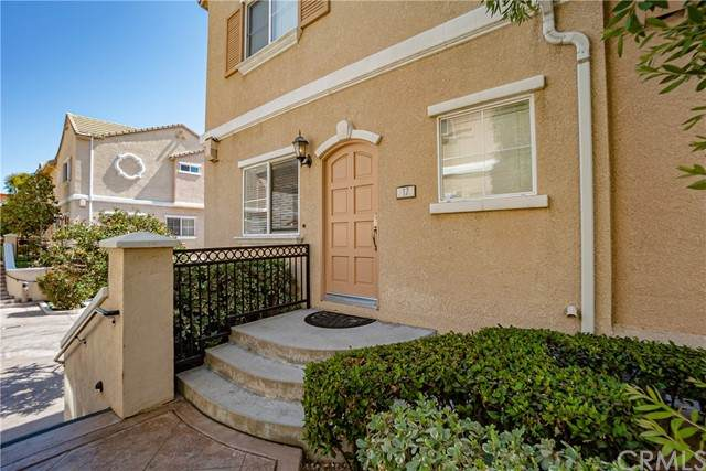 9301 Shirley Avenue #17, Northridge, CA 91324 (#DW21126199) :: Powerhouse Real Estate