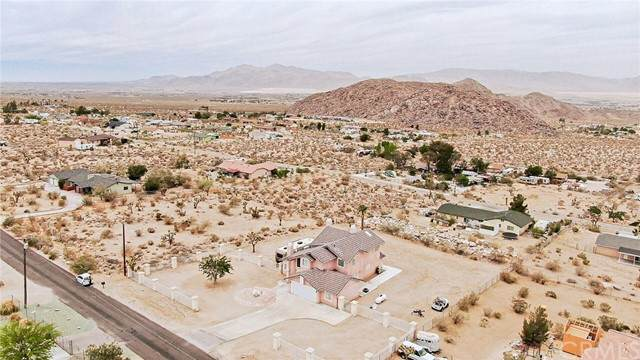 32360 Sapphire Road, Lucerne Valley, CA 92356 (#CV21123504) :: Powerhouse Real Estate