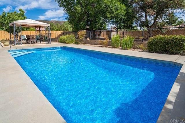 16333 Bassett Court, Ramona, CA 92065 (#NDP2106702) :: Berkshire Hathaway HomeServices California Properties