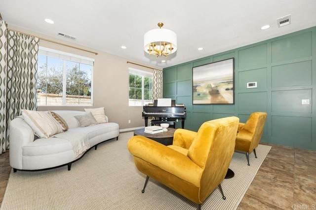 1319 Bellingham Drive, Oceanside, CA 92057 (#NDP2106707) :: Berkshire Hathaway HomeServices California Properties