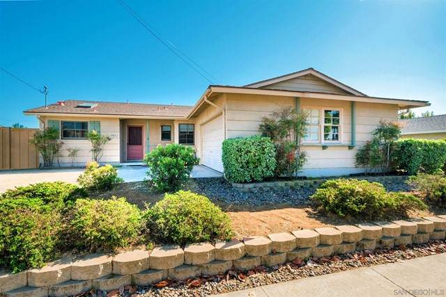 5023 Mount Frissell Dr, San Diego, CA 92117 (#210016076) :: Wahba Group Real Estate   Keller Williams Irvine