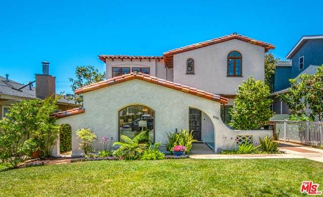1055 Hartzell Street, Pacific Palisades, CA 90272 (#21747216) :: The Marelly Group   Sentry Residential