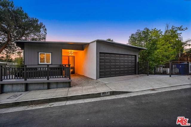 1857 Phillips Way, Los Angeles (City), CA 90042 (#21746532) :: Powerhouse Real Estate