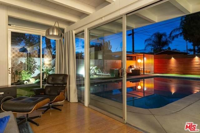 12011 Lorne Street, North Hollywood, CA 91605 (#21747718) :: A G Amaya Group Real Estate