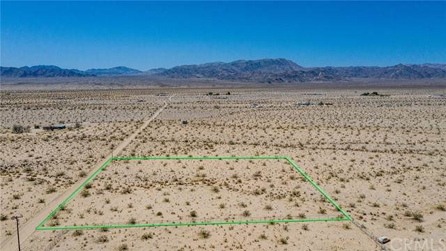83600 Sandy Claws Road, 29 Palms, CA 92277 (#JT21121145) :: The Laffins Real Estate Team