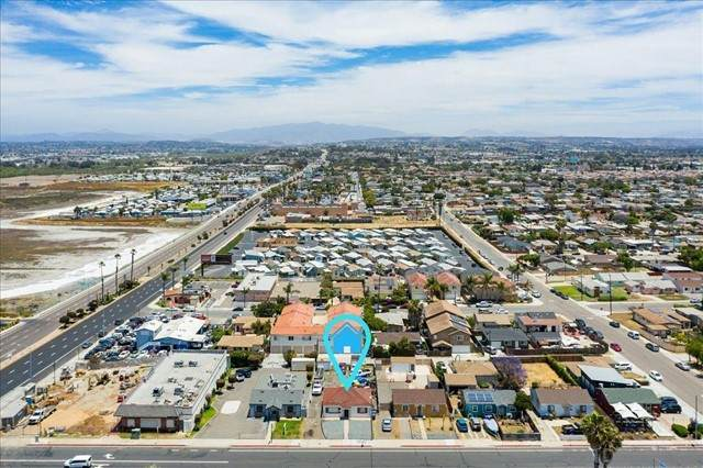 745 13th St, Imperial Beach, CA 91932 (#210016102) :: Berkshire Hathaway HomeServices California Properties