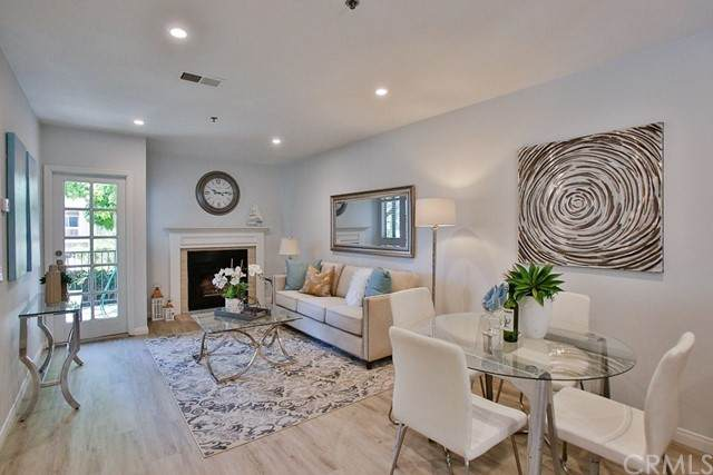 260 Victoria Street F2, Costa Mesa, CA 92627 (#OC21125371) :: Eight Luxe Homes