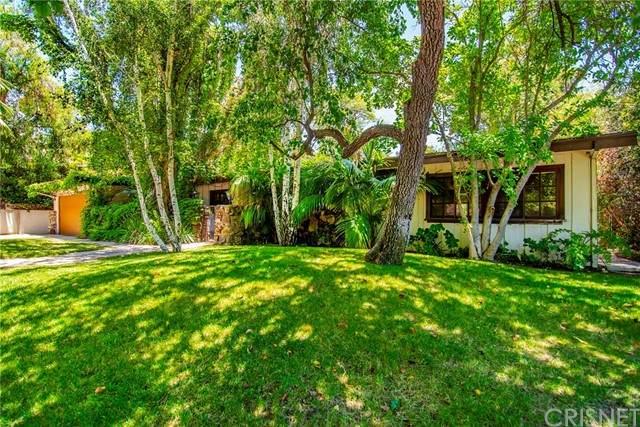 4610 Arriba Drive, Tarzana, CA 91356 (#SR21126613) :: Zember Realty Group