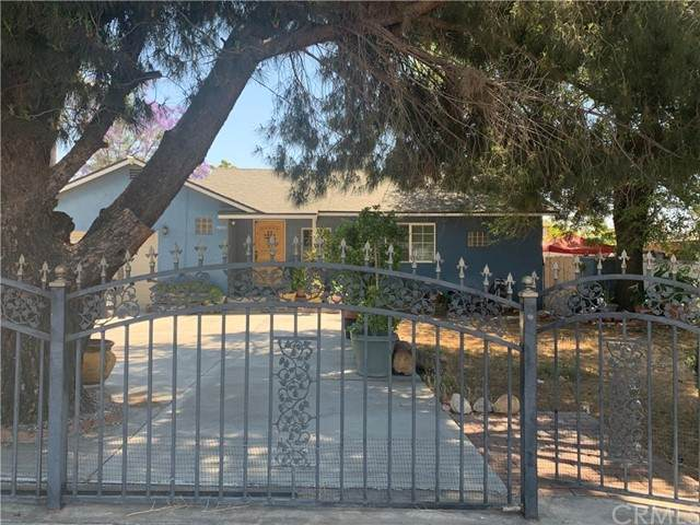 7833 Citrus Avenue, Fontana, CA 92336 (#CV21126637) :: Berkshire Hathaway HomeServices California Properties