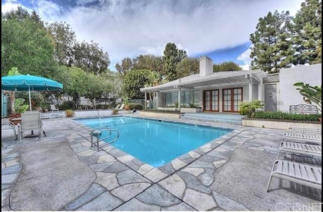 20134 Leadwell Street #132, Winnetka, CA 91306 (#SR21126698) :: Berkshire Hathaway HomeServices California Properties