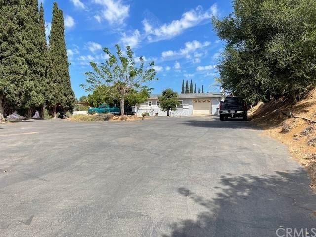 3052 Slivkoff Drive, Escondido, CA 92027 (#SW21126836) :: Berkshire Hathaway HomeServices California Properties