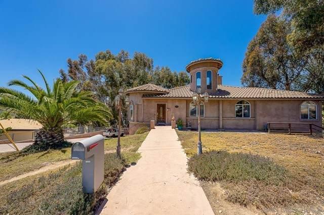 537 Hoover St, Oceanside, CA 92054 (#210016185) :: Berkshire Hathaway HomeServices California Properties