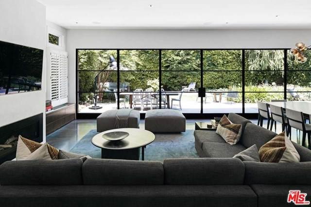 11949 Foxboro Drive, Los Angeles (City), CA 90049 (#21746574) :: Legacy 15 Real Estate Brokers