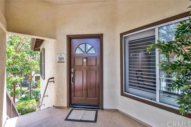 2960 Champion Way #509, Tustin, CA 92782 (#PW21112415) :: Eight Luxe Homes