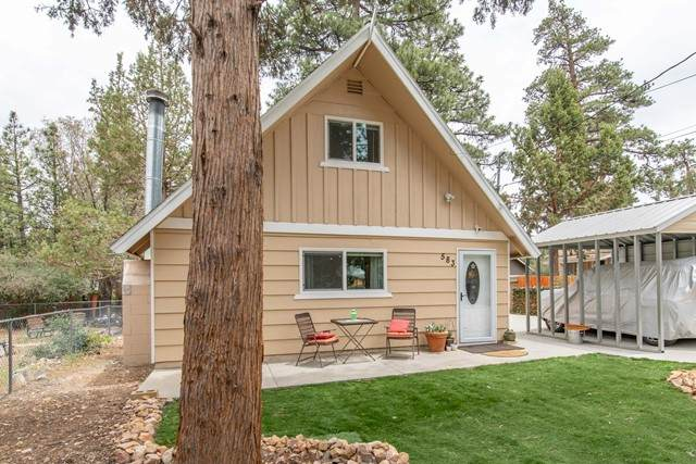 583 Maple Lane, Sugarloaf, CA 92386 (#219063418PS) :: Twiss Realty