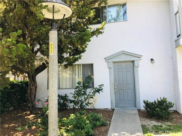 1777 Mitchell Avenue #128, Tustin, CA 92780 (#OC21123505) :: Twiss Realty