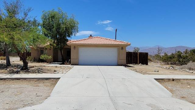 2823 Coronet Avenue, Thermal, CA 92274 (#219063427DA) :: The Marelly Group | Sentry Residential