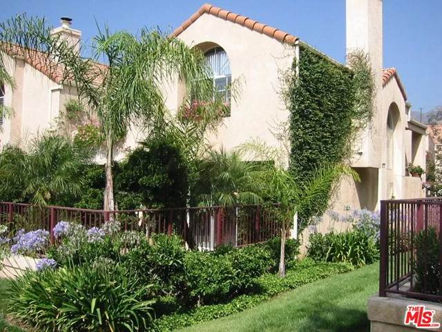 11326 Old Ranch Circle, Chatsworth, CA 91311 (#21748168) :: The Marelly Group | Sentry Residential