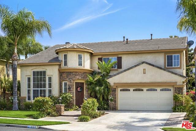 1854 Willowbluff Drive, Corona, CA 92883 (MLS #21748198) :: Desert Area Homes For Sale