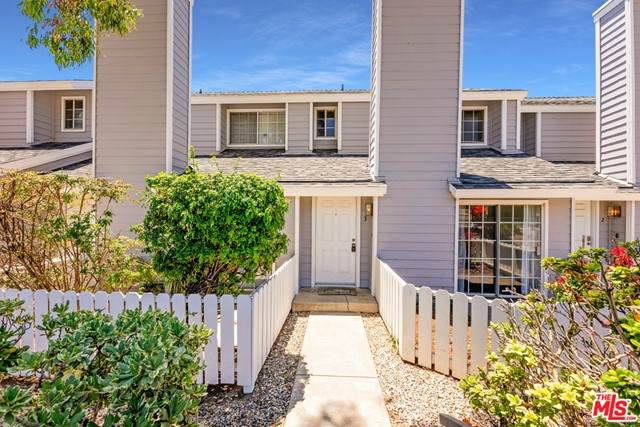 14380 Foothill Boulevard #3, Sylmar, CA 91342 (#21747080) :: Powerhouse Real Estate