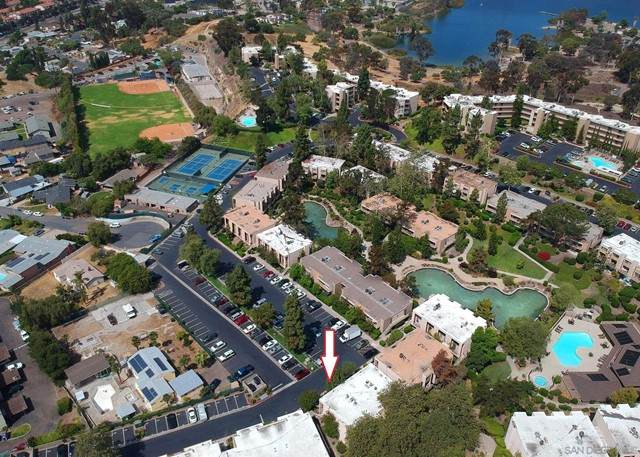 5700 Baltimore Dr #114, La Mesa, CA 91942 (#210016277) :: Berkshire Hathaway HomeServices California Properties