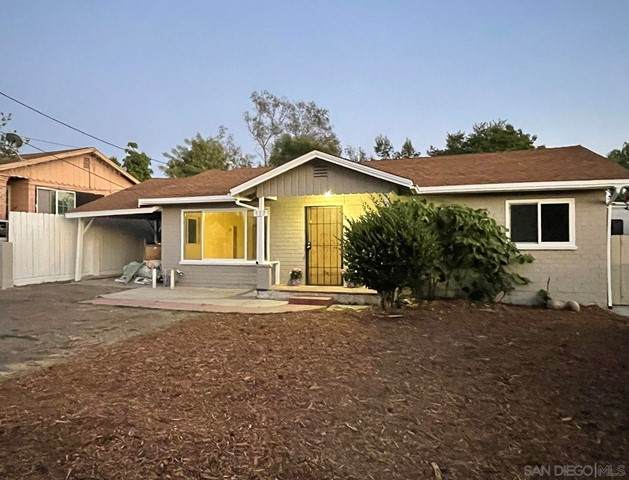 117 Nevada Ave, Vista, CA 92084 (#210016279) :: Wahba Group Real Estate   Keller Williams Irvine