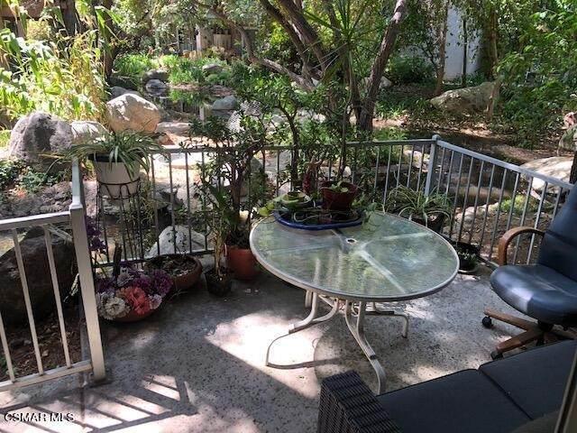 7111 Farralone Avenue #88, Canoga Park, CA 91303 (#221003198) :: Powerhouse Real Estate