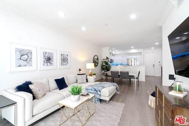 5253 Vantage Avenue Ph3, Valley Village, CA 91607 (#21748010) :: Powerhouse Real Estate