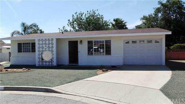 861 S Ramona Street, Hemet, CA 92543 (#PW21126207) :: Doherty Real Estate Group