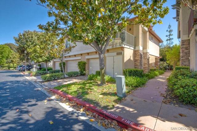 9645 West Canyon Terrace Unit 2, San Diego, CA 92123 (#210016294) :: Berkshire Hathaway HomeServices California Properties