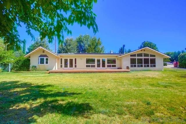 14201 Ipava Dr, Poway, CA 92064 (#210016296) :: Berkshire Hathaway HomeServices California Properties