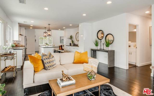 6021 W 76Th Place, Los Angeles (City), CA 90045 (#21748276) :: The Ashley Cooper Team