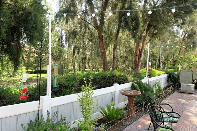 23 Pepperwood, Aliso Viejo, CA 92656 (#OC21127732) :: The DeBonis Team
