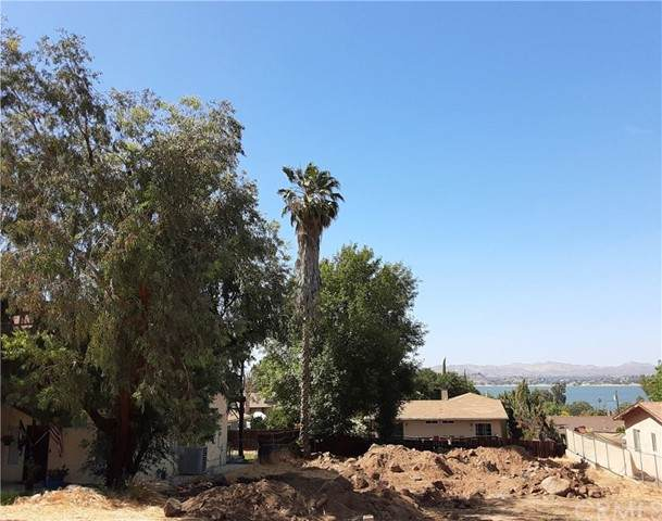17477 Cotrell Boulevard, Lake Elsinore, CA 92530 (#SW21125848) :: Eight Luxe Homes