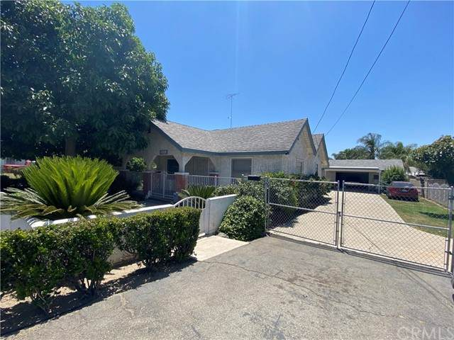 25255 Pacific Street, San Bernardino, CA 92404 (#CV21127881) :: The DeBonis Team