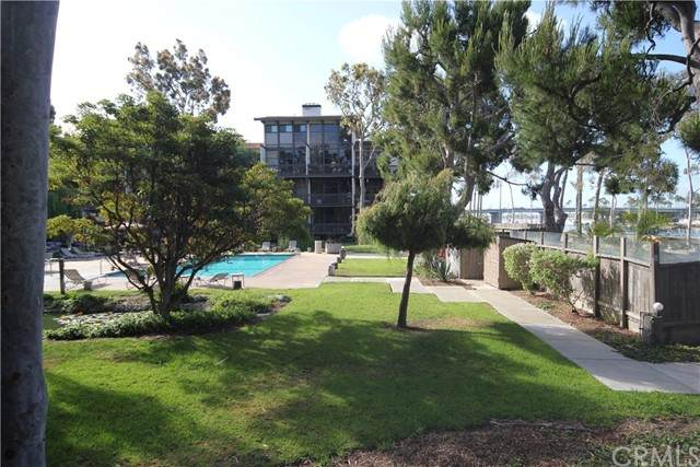6116 Marina Pacifica Drive S, Long Beach, CA 90803 (#PW21127898) :: The DeBonis Team