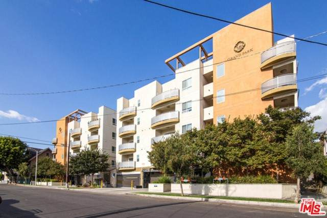 2321 W 10Th Street #203, Los Angeles (City), CA 90006 (#21748560) :: Legacy 15 Real Estate Brokers