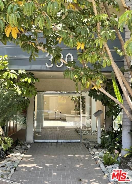 330 S Barrington Avenue #108, Los Angeles (City), CA 90049 (#21748184) :: Legacy 15 Real Estate Brokers