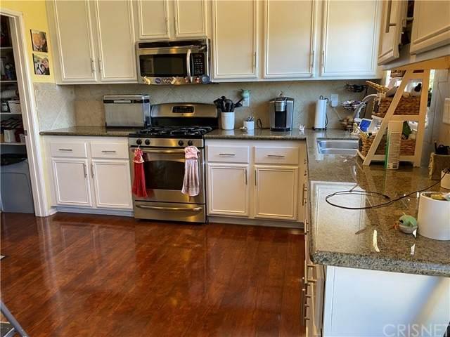 2747 Hornbeam Road, Palmdale, CA 93551 (#SR21128399) :: Berkshire Hathaway HomeServices California Properties