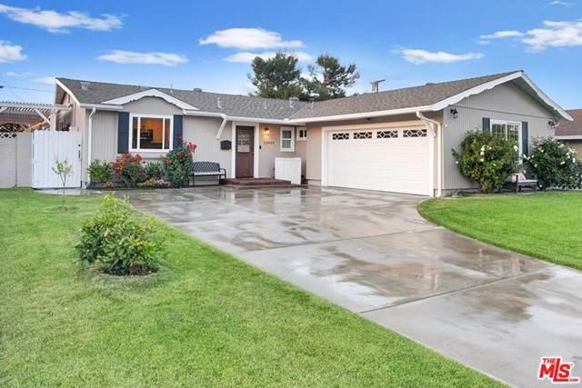 23453 Gilmore Street, West Hills, CA 91307 (#21748622) :: Powerhouse Real Estate