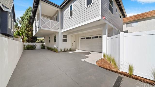2421 Voorhees Avenue B, Redondo Beach, CA 90278 (MLS #PV21128390) :: Desert Area Homes For Sale