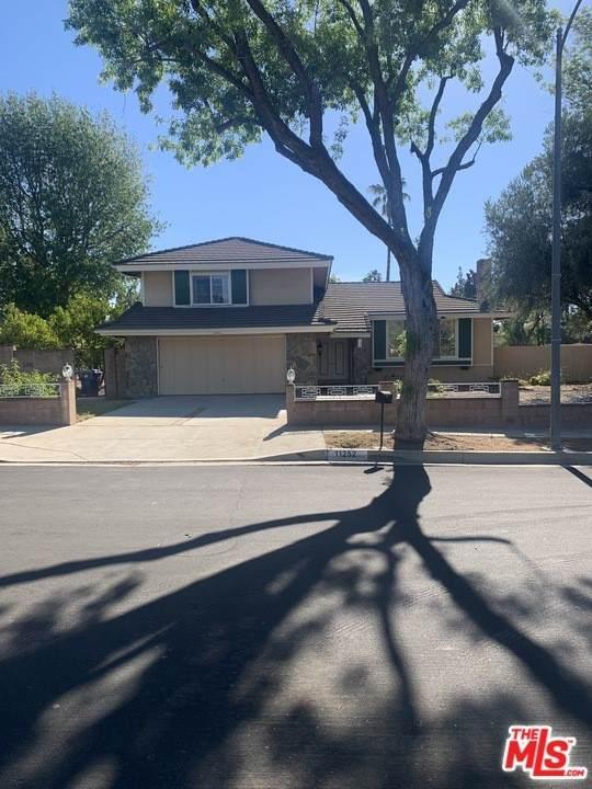 11252 Etiwanda Avenue, Porter Ranch, CA 91326 (#21748680) :: Berkshire Hathaway HomeServices California Properties