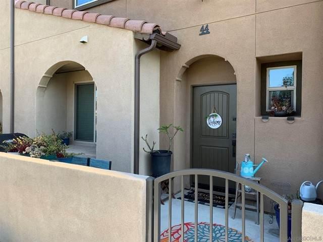 1576 Castillo Way #44, Vista, CA 92081 (#210016424) :: Swack Real Estate Group | Keller Williams Realty Central Coast
