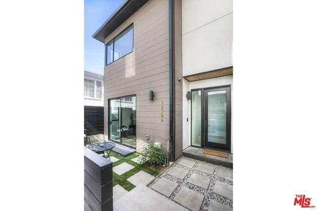 3229 Rowena, Los Angeles (City), CA 90027 (MLS #21748748) :: Desert Area Homes For Sale