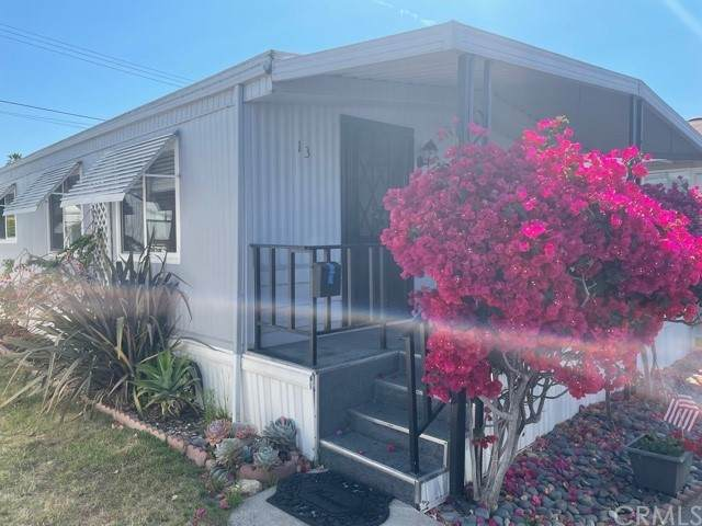 1973 Newport Blvd #13, Costa Mesa, CA 92627 (#OC21128703) :: Berkshire Hathaway HomeServices California Properties