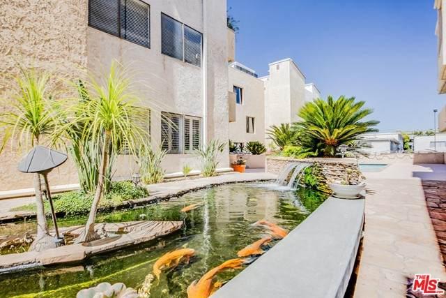 5310 Zelzah Avenue #301, Encino, CA 91316 (#21748546) :: Powerhouse Real Estate