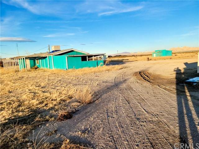 10653 Midway Avenue, Lucerne Valley, CA 92356 (#JT21125983) :: Powerhouse Real Estate