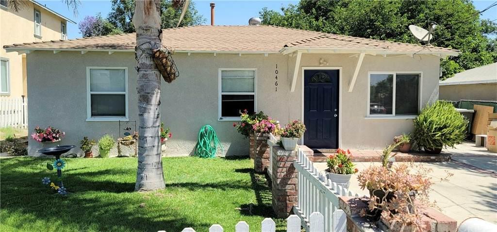 10461 48th Street, Jurupa Valley, CA 91752 (#OC21127803) :: Berkshire Hathaway HomeServices California Properties