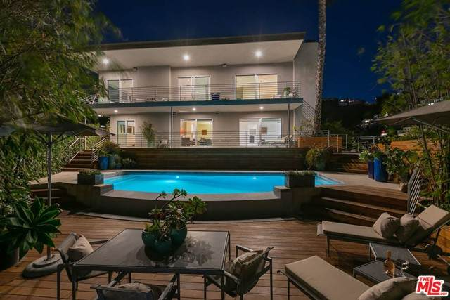 8555 Hollywood Boulevard, Los Angeles (City), CA 90069 (#21748604) :: The Miller Group